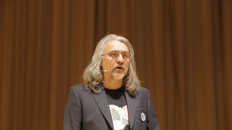 GALERII   Aivar Pohlak vahetas kuulsa vesti Karlssoni T-särgi vastu, laval säras ka 14aastane Andreas Poom