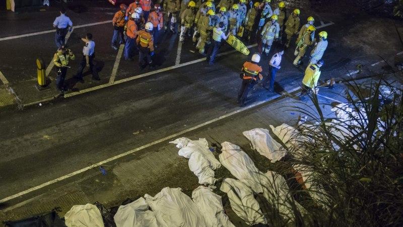 FOTOD | Hongkongi bussiõnnetuses hukkus vähemalt 18 inimest