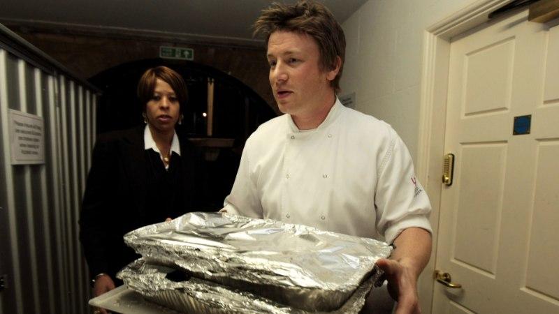 Jamie Oliveri restoranikett on võlgades