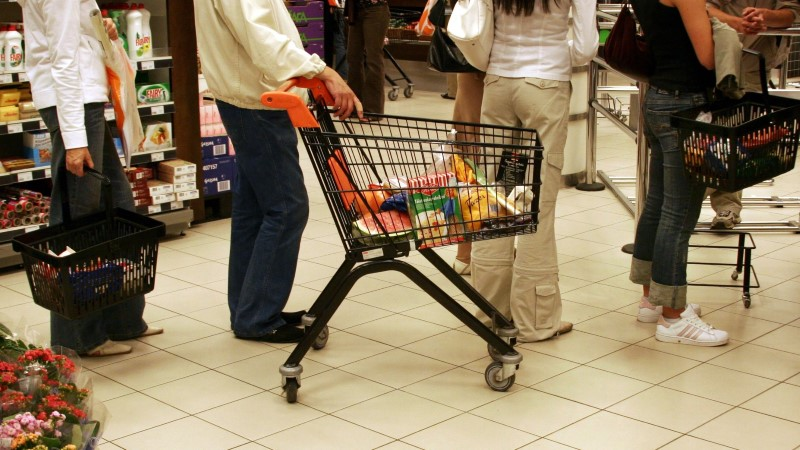 Стоимость потребительской корзины достигла рекордной отметки в 74,4 евро