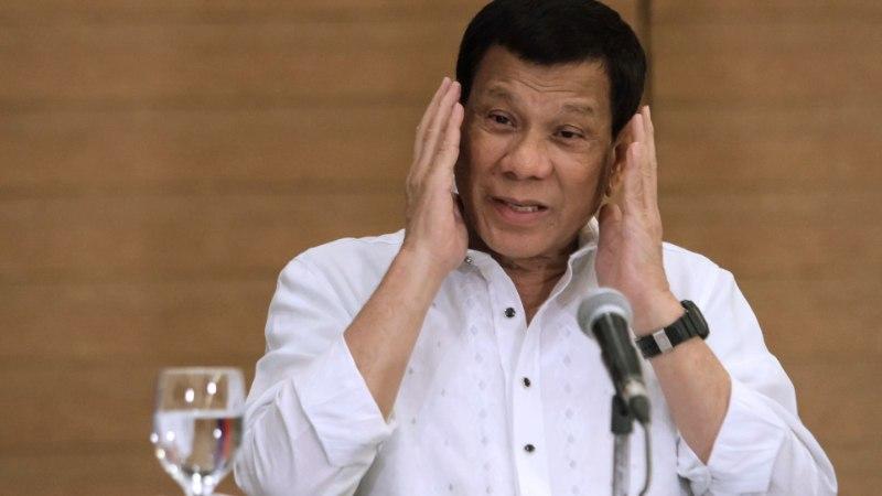 Filipiinide president soovitab sõduritel naismässulisi jalgevahele tulistada
