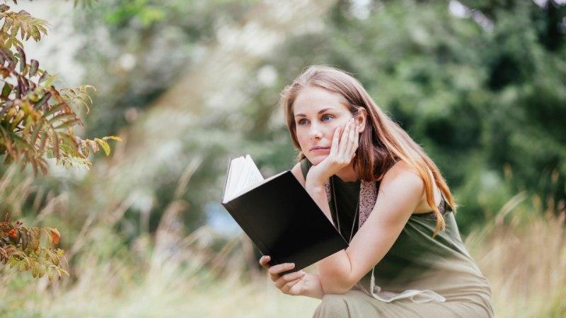 KIRJANDUSTEADLASED SOOVITAVAD: milliseid raamatuid peaks iga eestlane elu jooksul lugema?