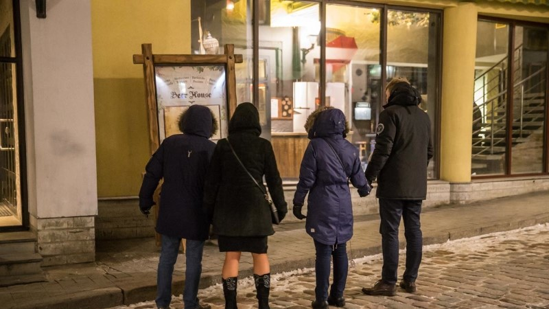 FOTOD | Politsei sulges Dunkri tänava pikaks ajaks ning otsis tõendeid Hirve ja Gammeri kaasusega seoses