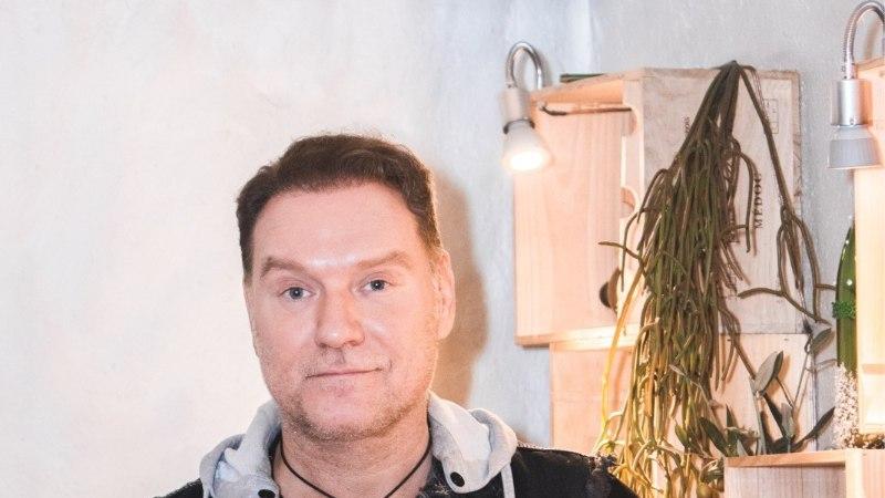 ŠAMPANJA-HOMMIKUSÖÖK STAARIGA | Mart Sanderil on põhjust tähistamiseks