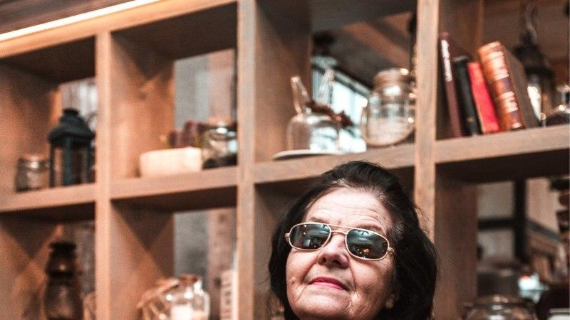 HOMMIKUSÖÖK STAARIGA | Pungimemm Maie Parrik mekkis oma 79. sünnipäeva puhul Eesti juubelitorti