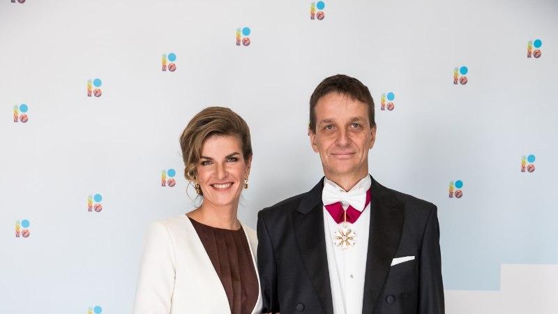 MÄRKIMISVÄÄRSED MINIMALISTID: presidendi vastuvõtu parimad klassikalised kleidid