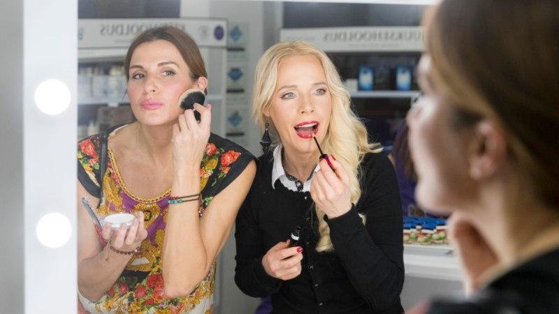 5O NIPPI   Staarmeikar Kaia Triisa testis musisuud suurendavat huuleläiget Koit Toome peal