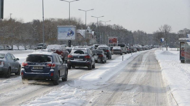 У природы нет плохой погоды. Смотри, что творится на дорогах Таллинна и за городом