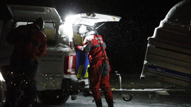 FOTOD | Tuukrid jätkavad ohvrite otsinguid, merest toodi välja kolmas surnukeha