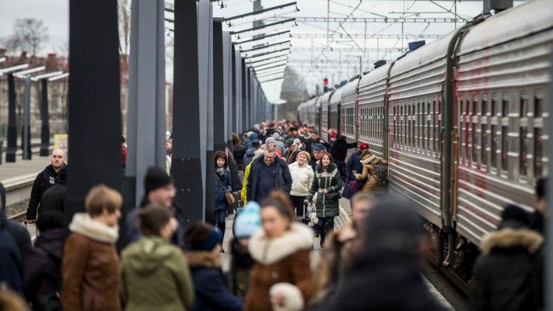 GRAAFIK   Eestit külastavate Vene turistide arv suurenes, Soome oma vähenes