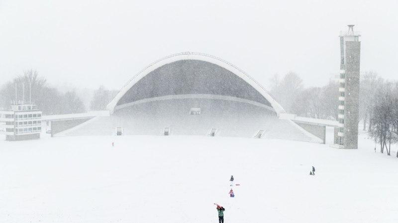 ILMAPROGNOOS: lendlev lumi piirab nähtavust