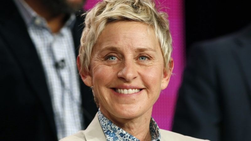 USA populaarseim saatejuht Ellen DeGeneres tähistas 60. juubelit ning kinkis publikule miljon dollarit