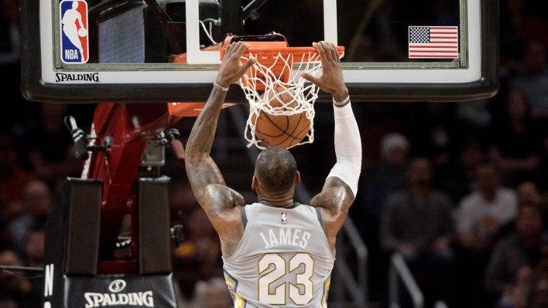 VIDEO | LeBron James tõusis kolme sekundi jooksul kahel korral Cavaliersi kangelaseks
