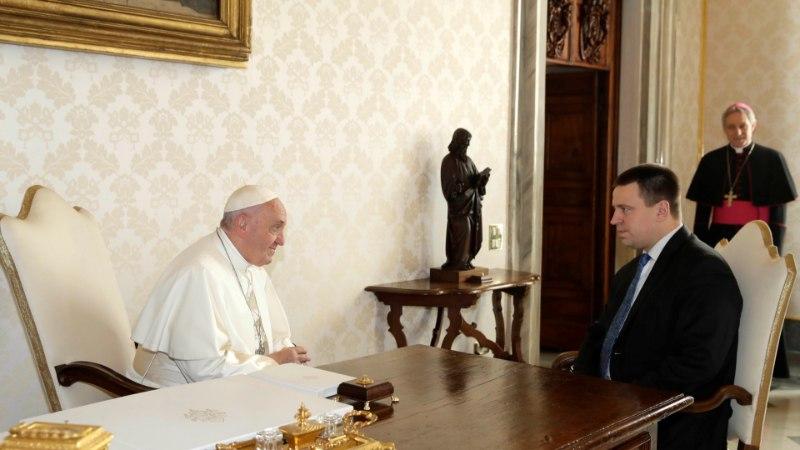 FOTOD | Peaminister Ratas külastas abikaasaga Vatikanis paavsti