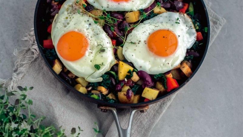 Köögivilja-panniroog munaga