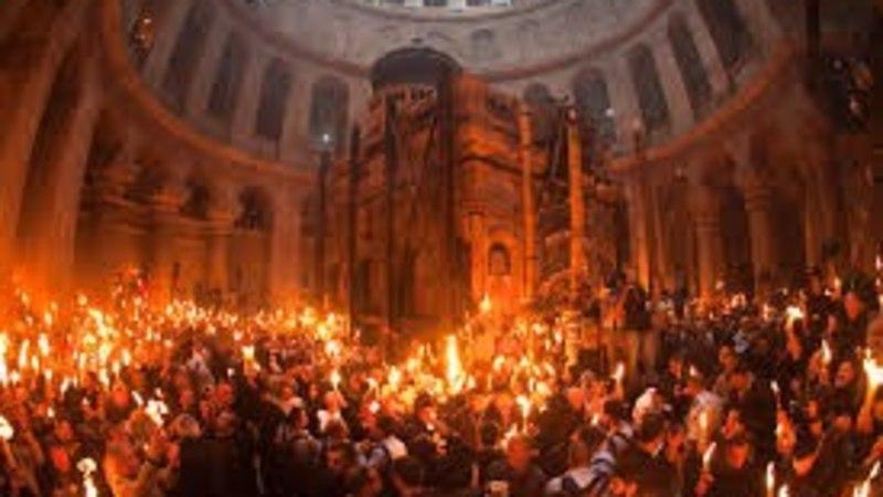 Высказывание священника о схождении Благодатного огня вызвало скандал