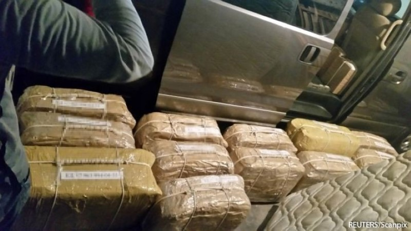 СМИ: 400 кг российского кокаина из Аргентины собирались сбывать через Латвию