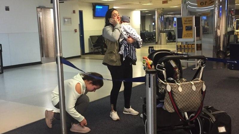 Traagiliselt lõppenud vahejuhtum United Airlinesi lennukis: stjuardess käskis reisijal koera pagasikappi panna