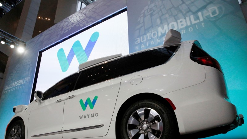 VIDEO | Waymo isesõitev auto ajab esimestele katsejänestele une silma