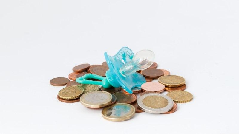 SUURES MURES EMA: kui alimendid saavad makstud, on pojal näpud põhjas!