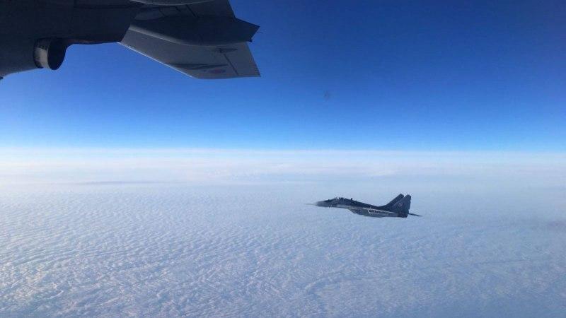 FOTOD   Briti õhuvägi pakkus president Kaljulaidile küüti