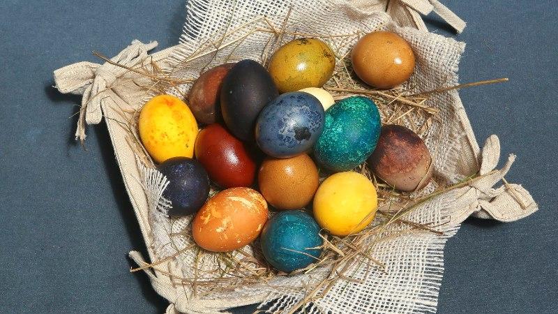Ära torma poodi, munavärve leiad ka köögikapist!