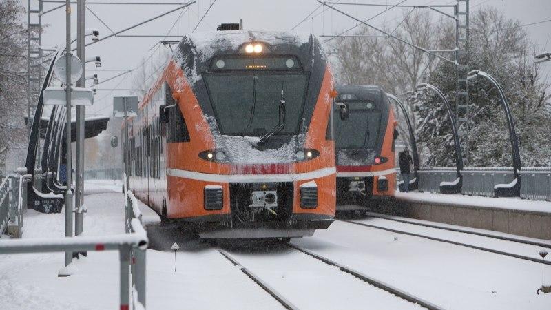 Tondi raudteeülesõidul sai rongilt löögi vanem naisterahvas