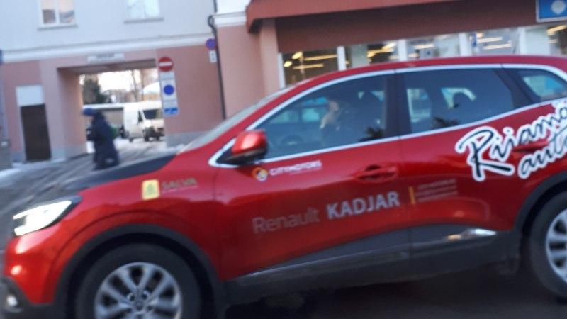 MAANTEEAMET KURJUSTAB: ohuolukorras ei suuda mobiiliga roolis rääkija reageerida
