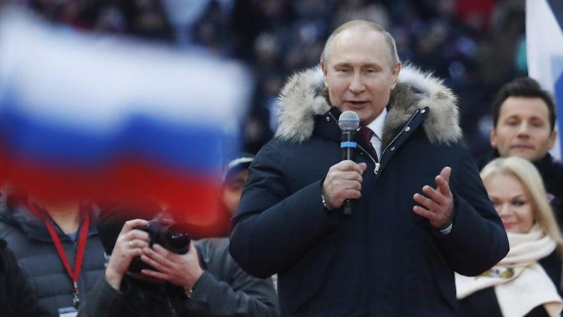 VIDEO   Hurmur Putin loeb õrnemale soole naistepäevaluulet