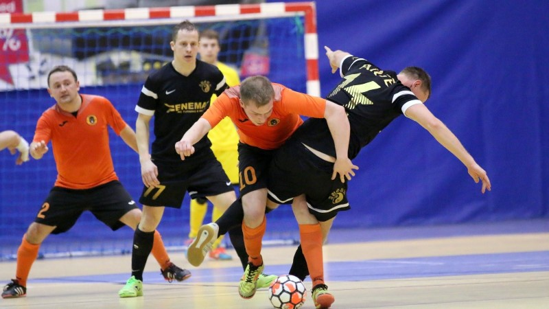 JÄRELVAADATAV | Saalijalgpalli meistriliiga esimene poolfinaal läks otsustava mänguni