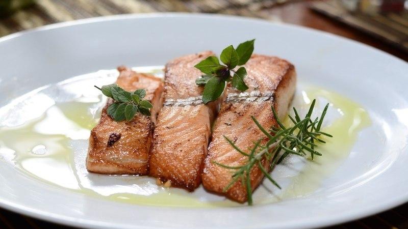 Oi-oi! Profikokkade nipp, kuidas küpsetada mahlast kana, kala ja liha!