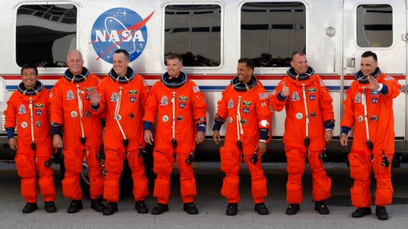 (LÄBI HARIDUSE) TÄHTEDE POOLE: kuidas saada kosmonaudiks?