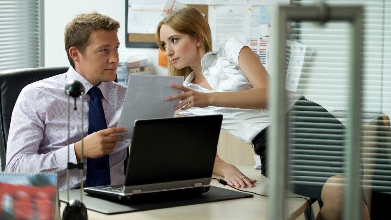KONTORIROMAAN: kuidas turvaliselt semmida kolleegiga?