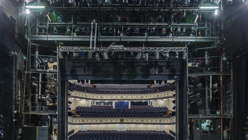 FOTOVAATLUS | Vaade saali: mida näeb näitleja lavalt?