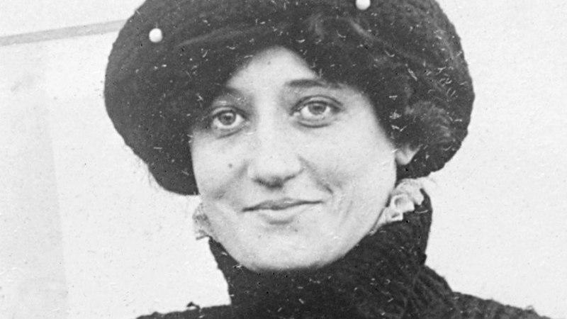 Esimene diplomeeritud naispiloot elas üle nii lennu- kui ka autoõnnetuse