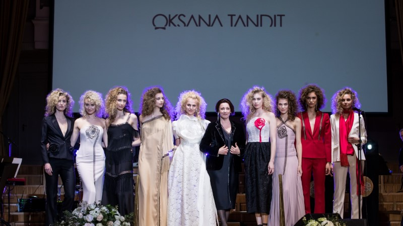 Смотри, дизайнер Оксана Тандит показала восхитительную новую коллекцию Desert Rose