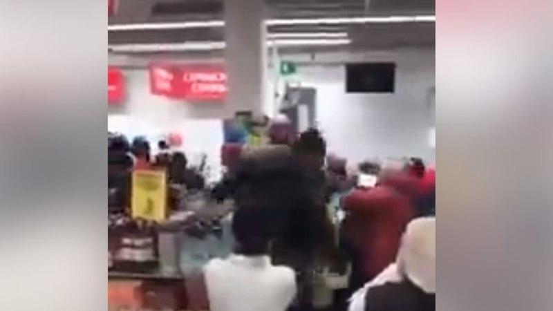 VIDEOD | Vaata, millise rüseluse saatel avati Venemaal kaks uut supermarketit