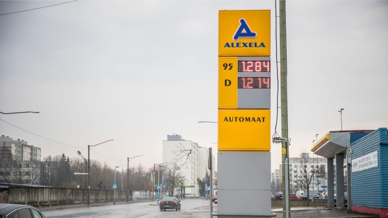 FOTOD | Kütusemüüjad tõstsid hinda, bensiinihind kerkis üle 1,35 euro