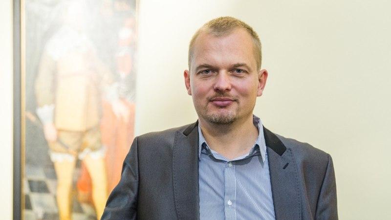 Jaak Jusket häirib Balti jaama kõlaritest kostuv venekeelne teadustamine
