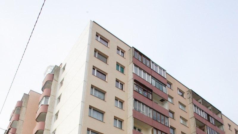 Lasnamäel kukkus 18aastane noormees seitsmenda korruse aknast alla. Arstidel ei õnnestunud tema elu päästa