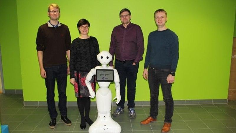 Ajalooline hetk: Tartu ülikooli astus esimene robottudeng