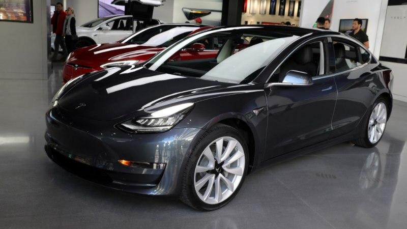 Tesla Model 3 tootmises on paus, ent see ei tähenda tegelikult midagi