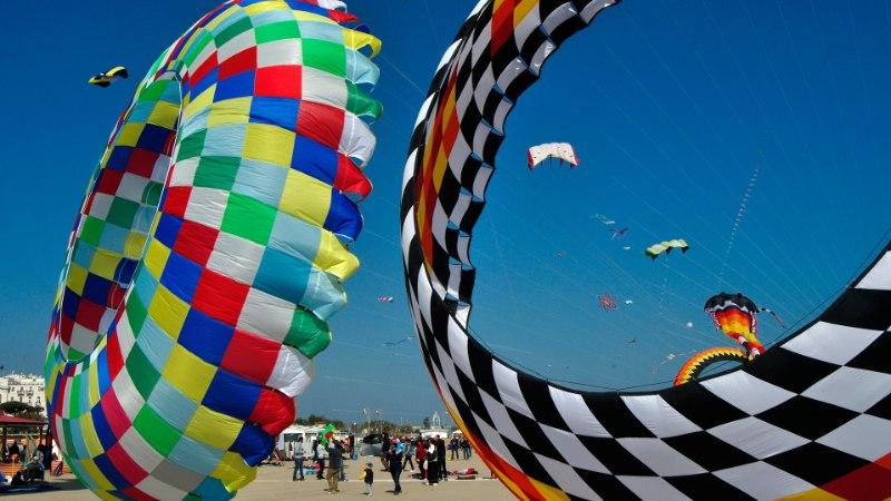 Rimini: Aadria mere Rivieras ootavad heleda liivaga rannad ja Fellini filmidest tuttavad kohad