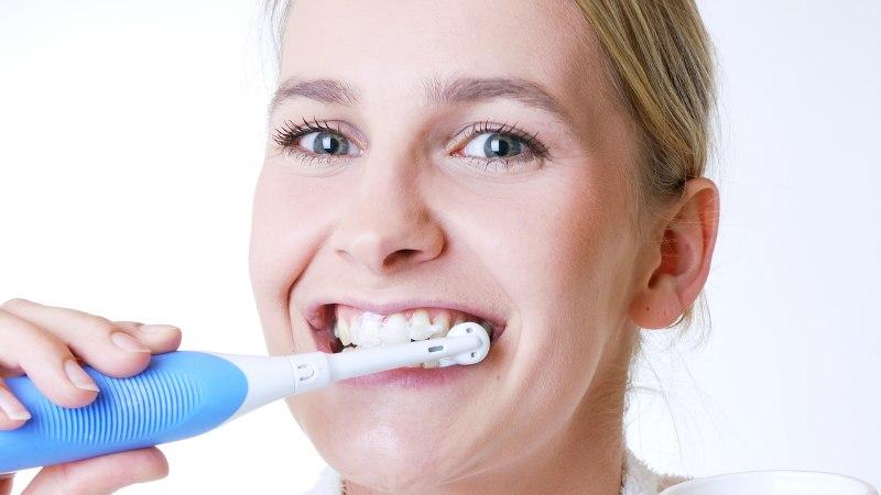 Miks eelistada elektrilist hambaharja tavalisele?