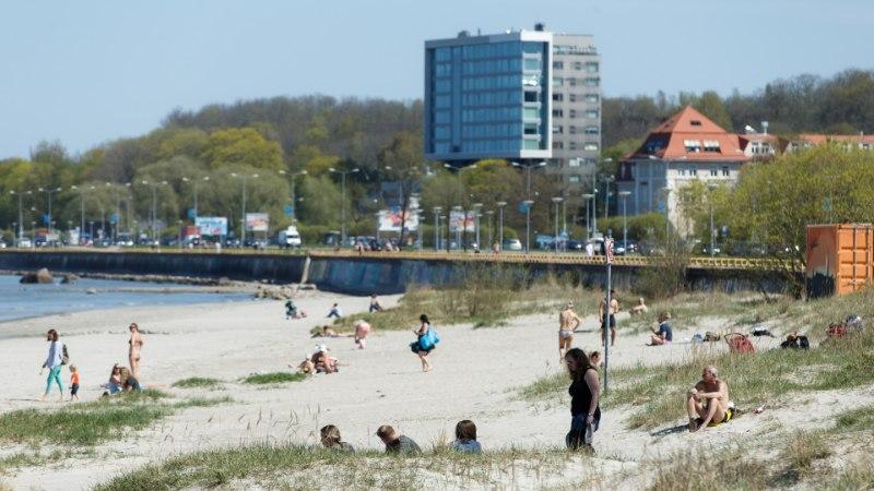 GALERII | Tõeliselt suvesoe ilm meelitas inimesed randa ja värsket õhku nautima