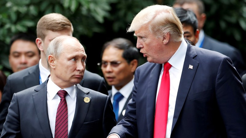 СМИ сравнили лимузины Путина и Трампа