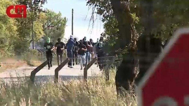 JULMAD FOTOD | Poolesaja pealine jõuk tungis jalgpalli tippklubi ruumidesse, rünnates mängijaid ja personali