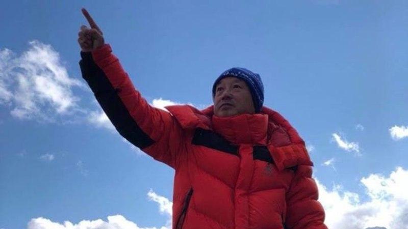 ERAKORDNE: jalutu mees tõusis viiendal katsel Mount Everesti tippu