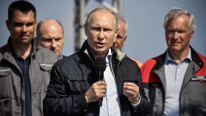 На Первом канале поведали о претворении Путиным гитлеровского проекта Крымского моста
