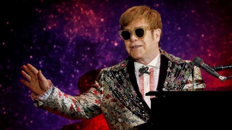Kuninglikus pulmas vallutab lavalauad Elton John